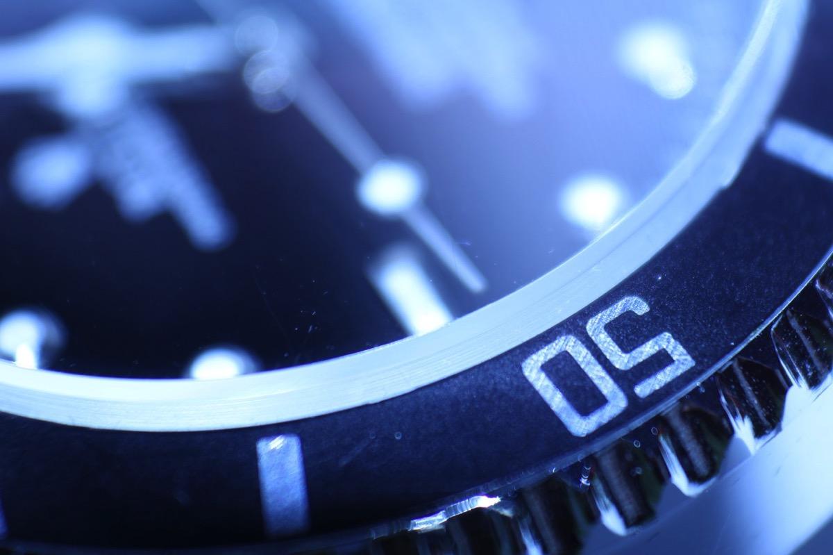 Clock 782536 1280