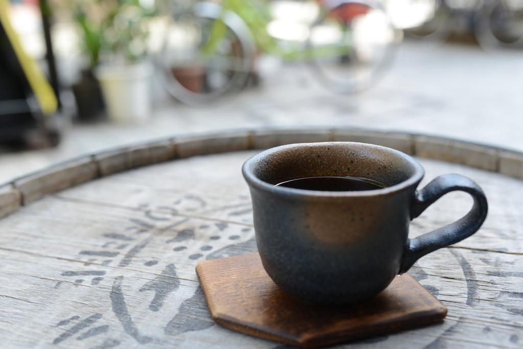 生豆をその場で焙煎してくれる「まめや」は我が家の定番コーヒー豆屋さんです