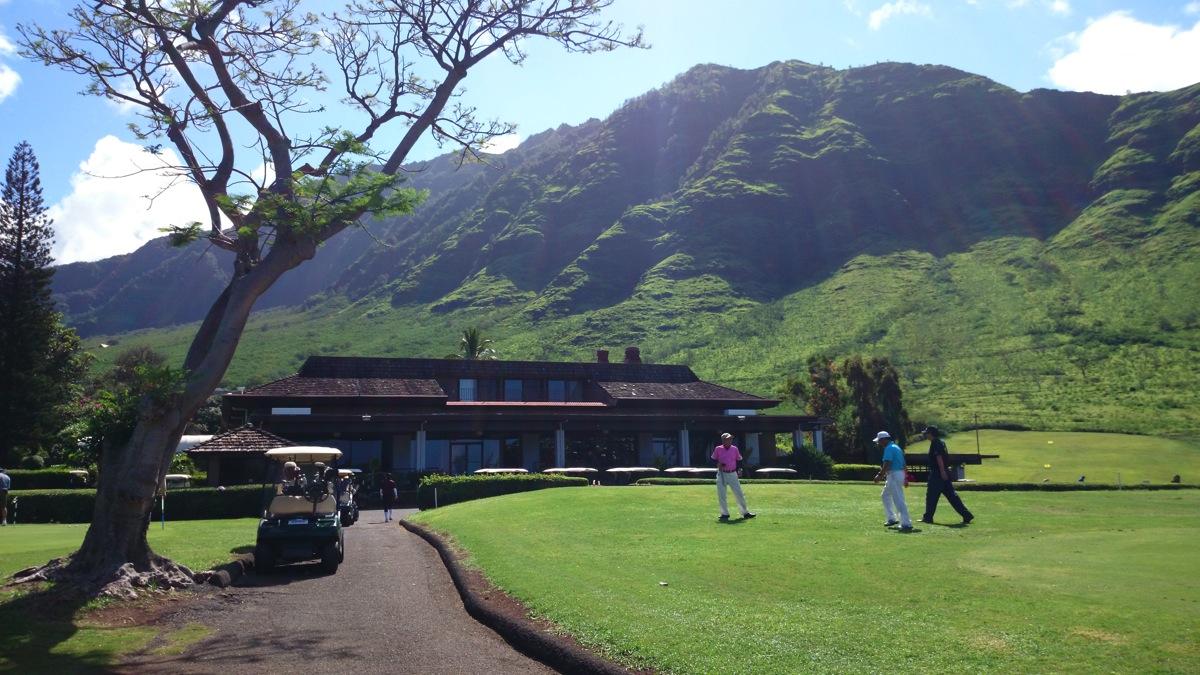 マカハバレーの絶景の中ゴルフをやってみた - Daily Beck in Hawaii 6/9号